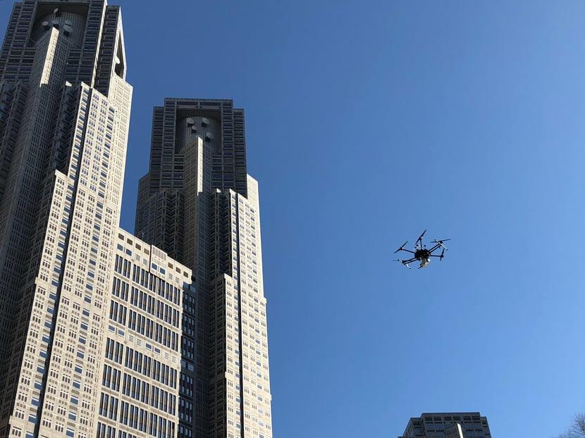 新宿の超高層ビル街をドローンが飛ぶ! VRJが「チーム・新宿」に技術協力